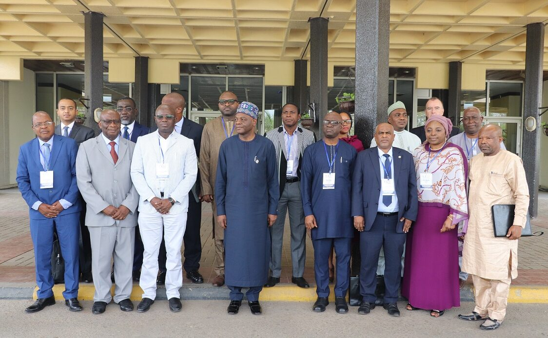 World Bank Team Visits Centre for Neglected Tropical Diseases